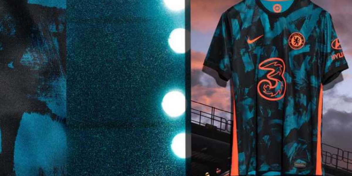 Nike goes after outdoor lovers with its ACG-inspired Chelsea soccer jersey